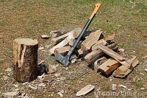 chopping-block-ax-split-wood-19414737